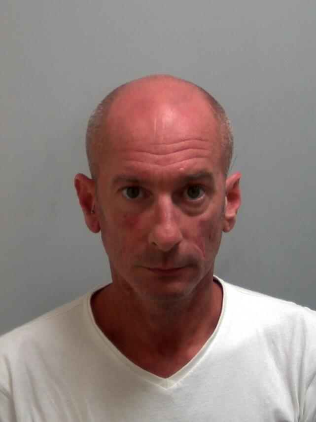 Sex offender jailed after trying to meet boy 14