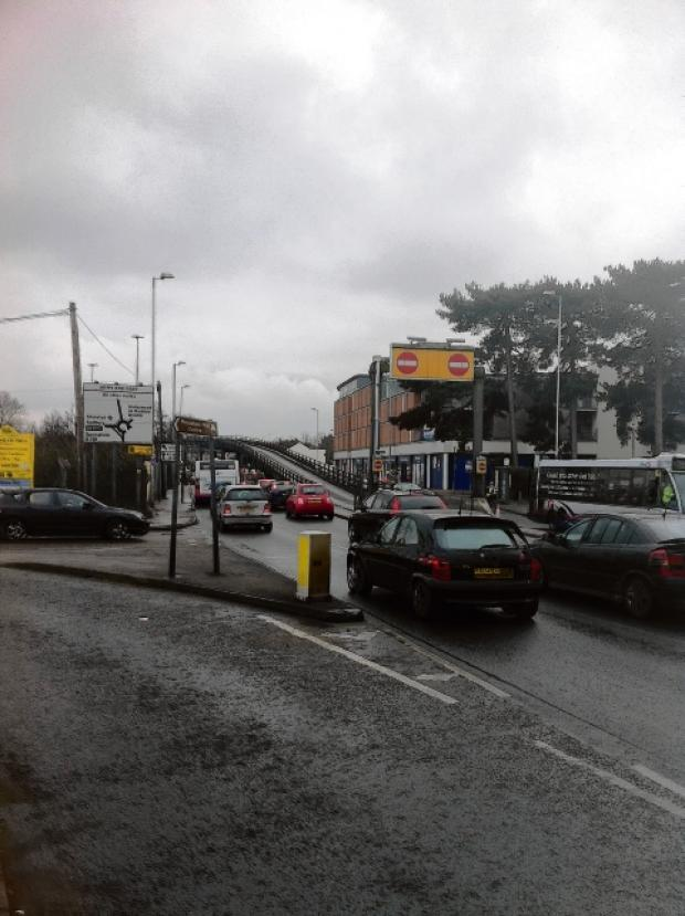 Chelmsford Weekly News: Police incident closes Army and Navy flyover