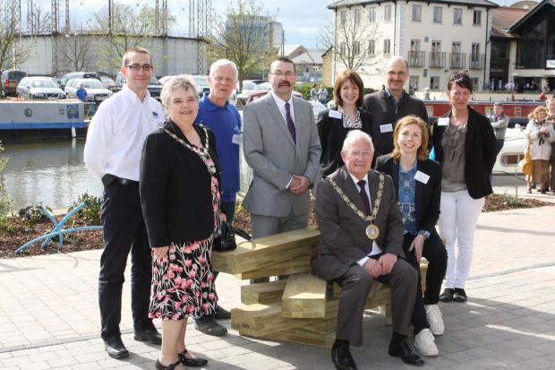 New arty seating unveiled by Chelmsford canal