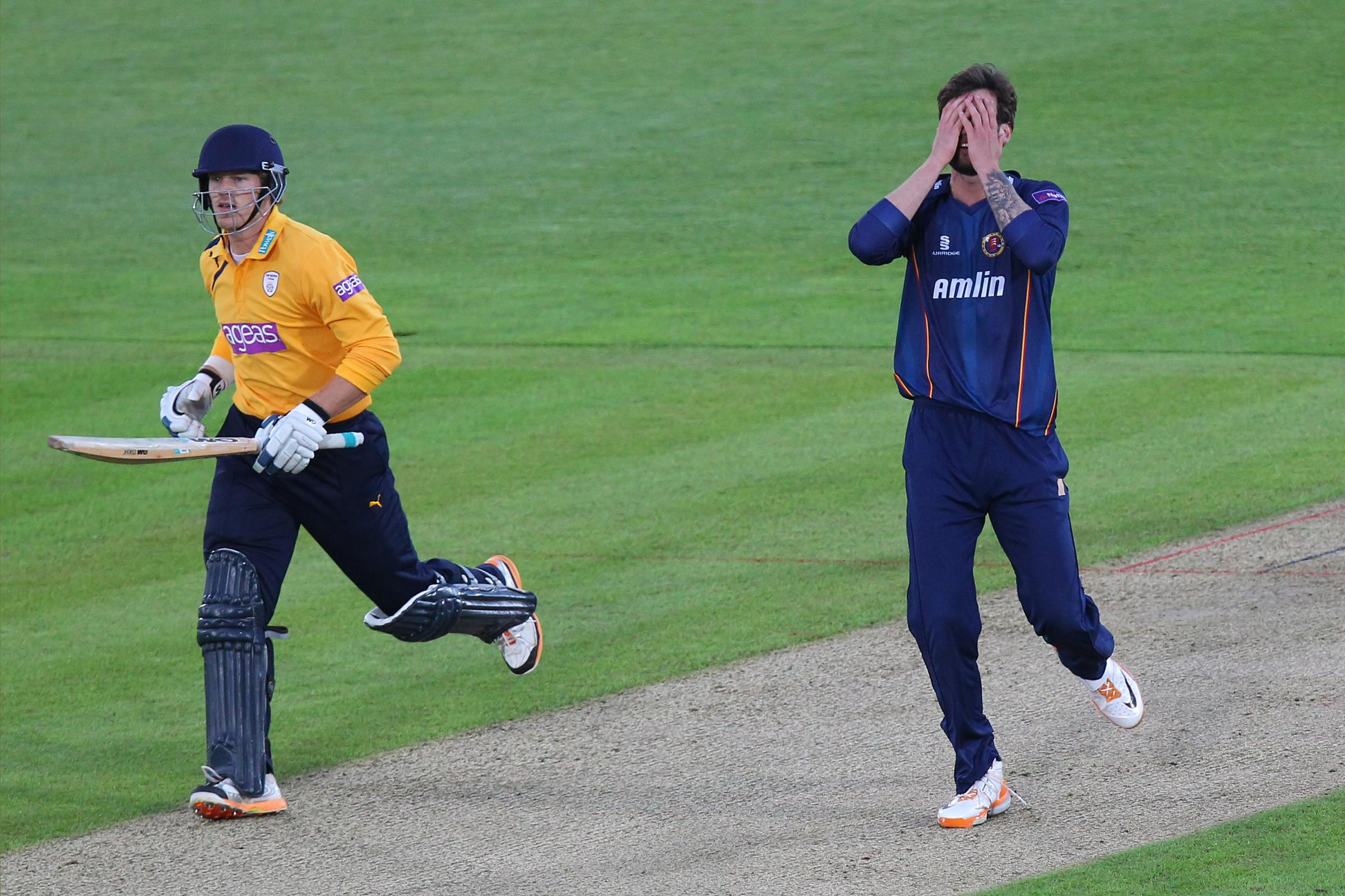 Essex bowler Reece Topley shows his frustration PICS GAVIN ELLIS/TGS PHOTOS