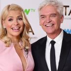 Chelmsford Weekly News: Holly Willoughby teases Phillip Schofield over his 'horrible' holiday in Dubai