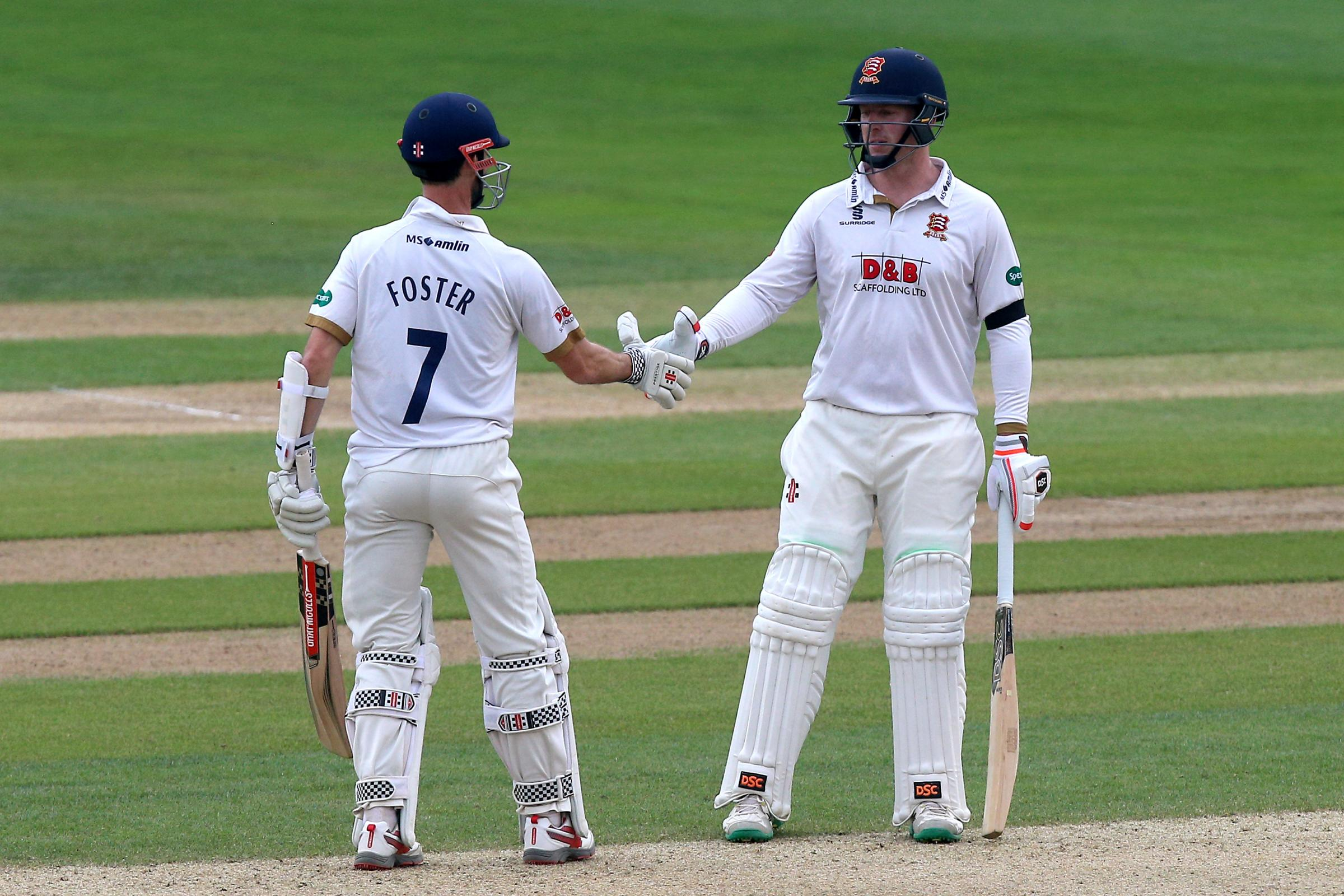 Excellent partnership - Simon Harmer and James Foster have put Essex in charge Picture: TGSPHOTO