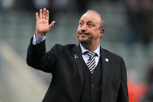Newcastle manager Rafael Benitez is to holds talks with owner Mike Ashley over his future